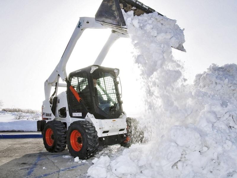 уборка территории от снега bobcat