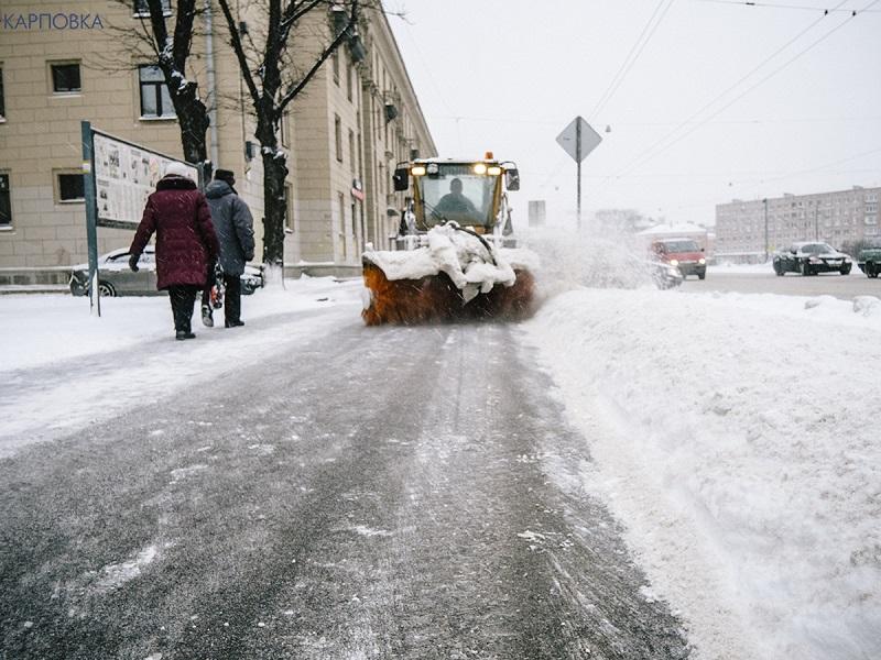 уборка снега трактор