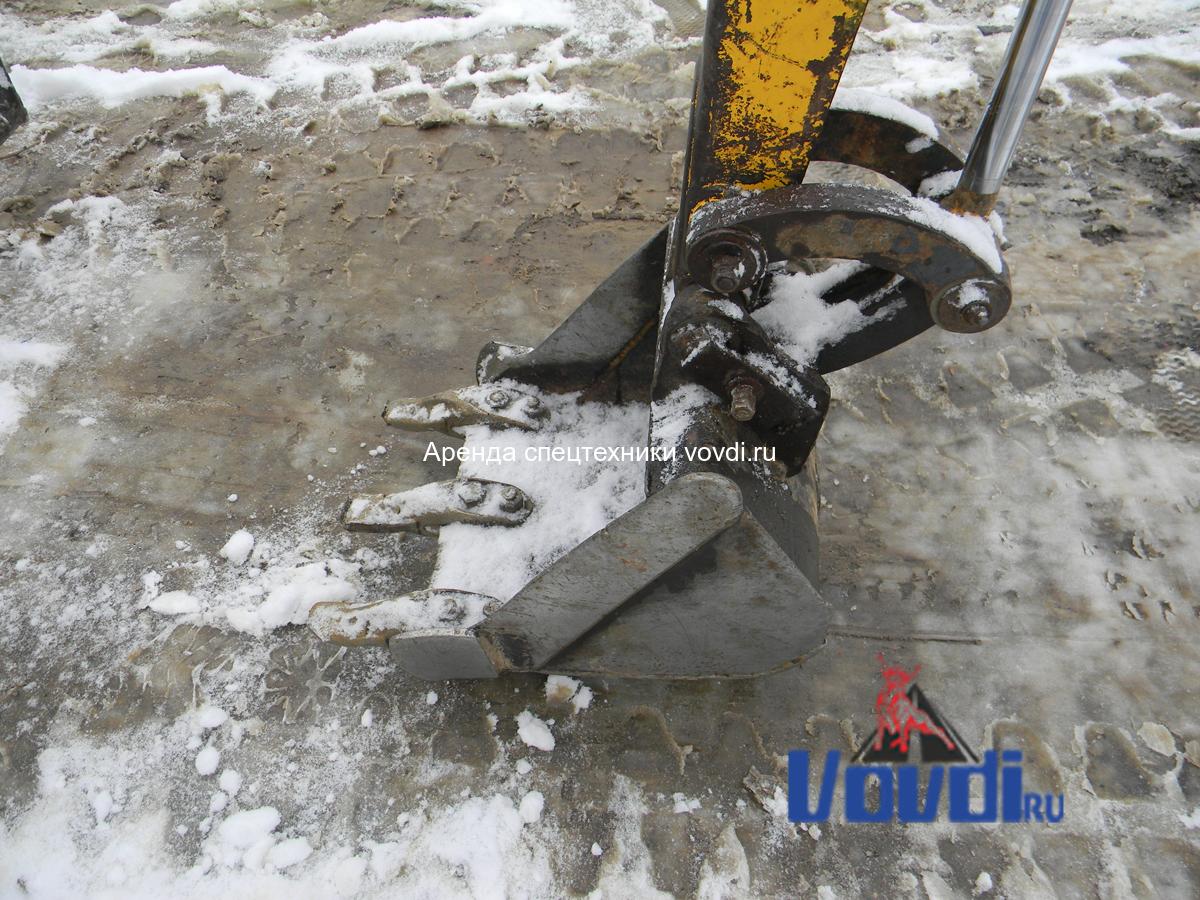 Ковш на мини экскаватор JCB 8018